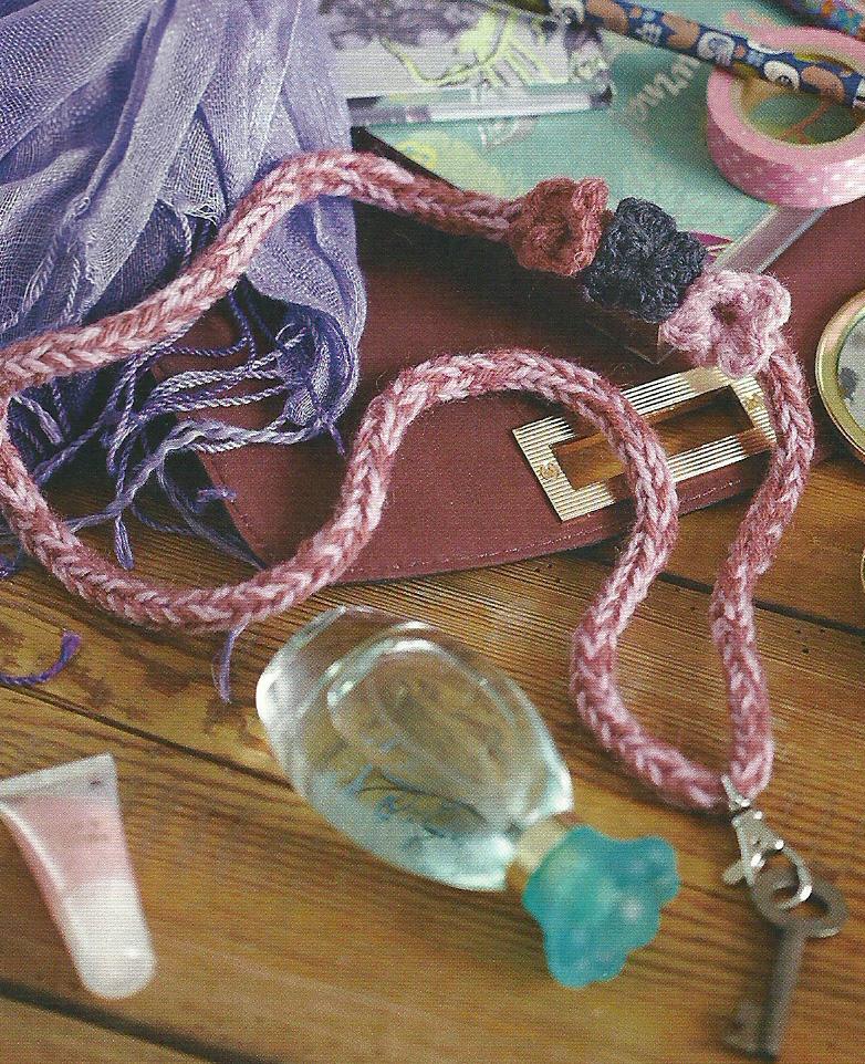 knitted lanyard