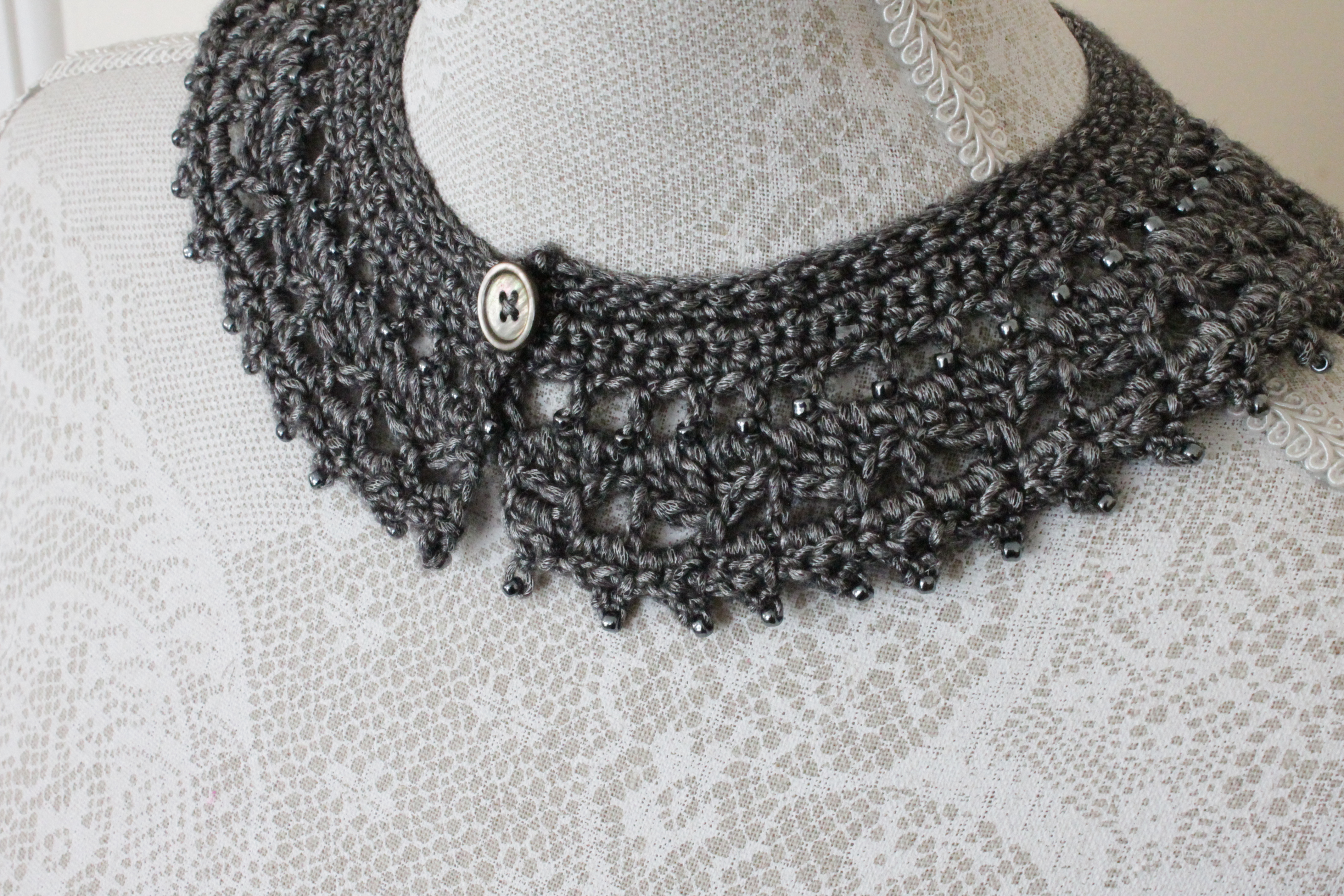 arabella crochet collar