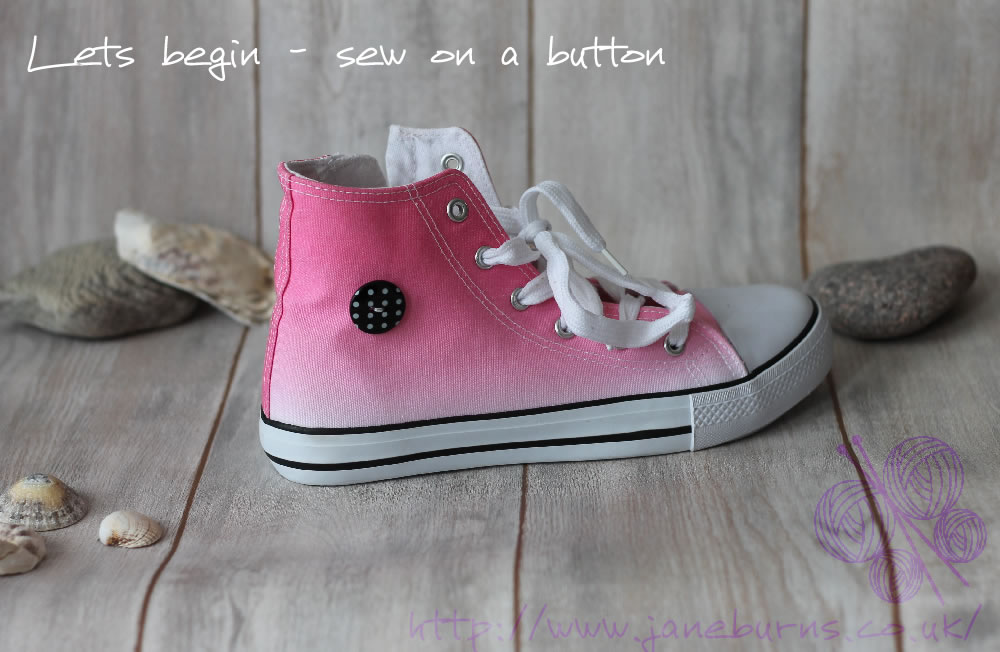 How to create cute 'Converse' style crochet flowers for your sneakers - Tutorial by Jane Burns