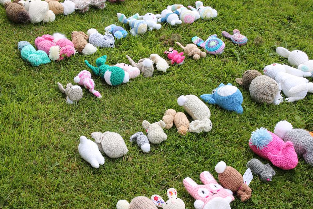 rabbits yarnbomb