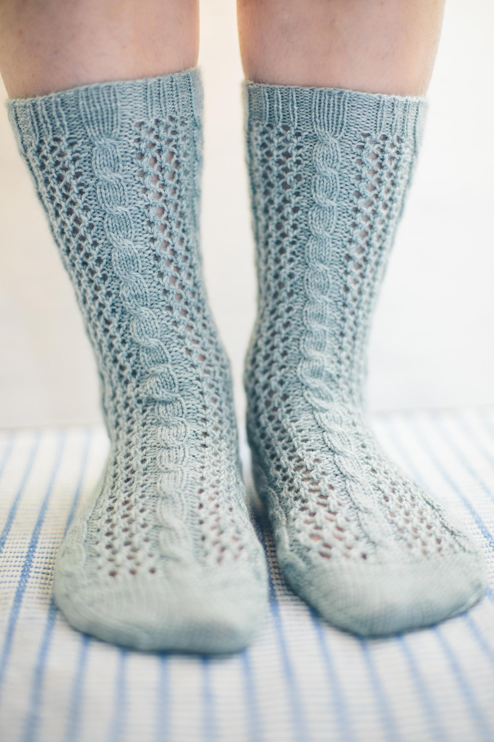 twisting ivy sock knitting pattern jane burns