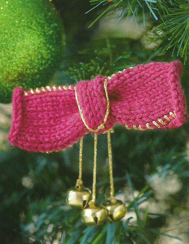 knitted bow bell Christmas Decoration Simply Knitting